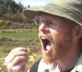 Stewgreen eating a grasshopper in Korea